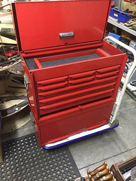 9-Drawer toolbox and 3-drawer midbox